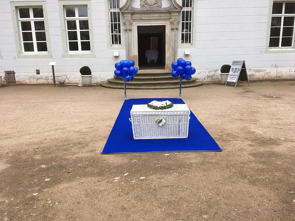 Bunte-Ballons-weisse-Tauben-Hochzeit-Kloster-Bentlage-Rheine-3