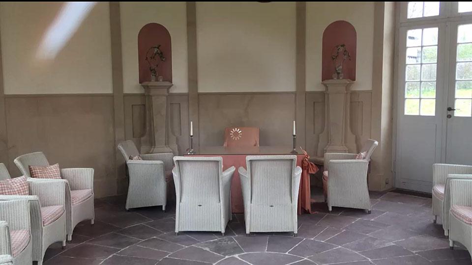 Traumhochzeit-Schlosshof-Maerchenschloss-Muenchhausen-7