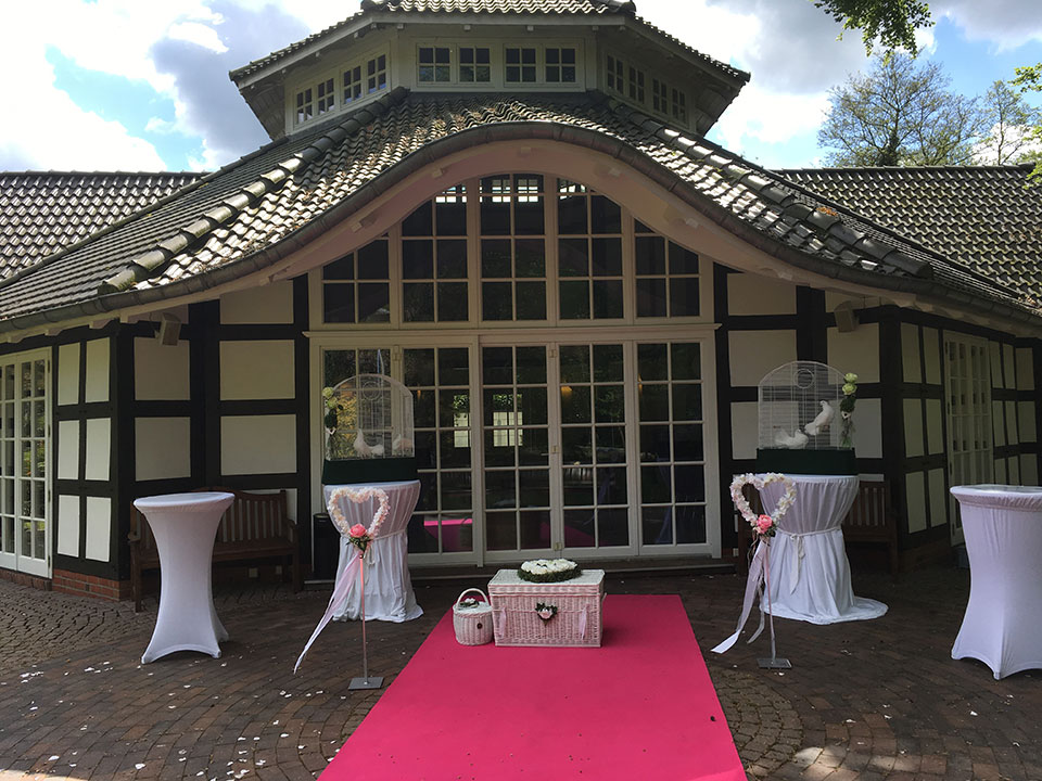 20190507-Hochzeitstauben-Show-Luer-Kropp-Hof-Bremen-Trauung-1