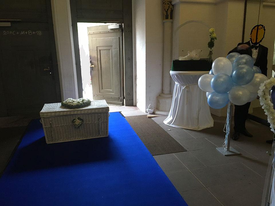 20190511-Hochzeitstauben-Luftballons-Eichsfelder-Dom-Duderstadt-1