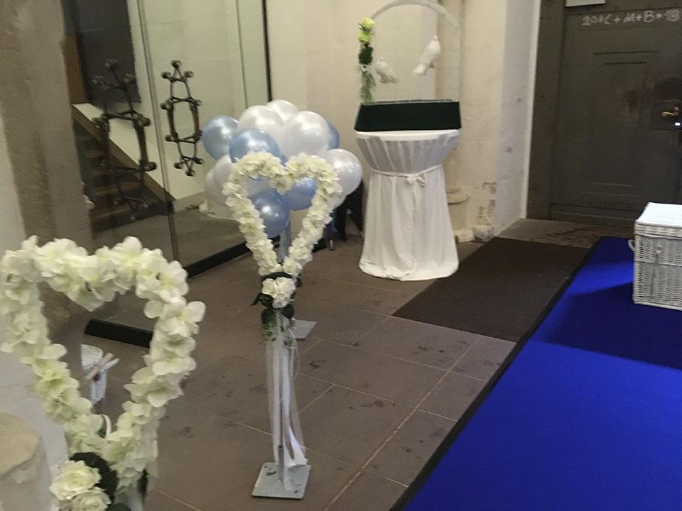20190511-Hochzeitstauben-Luftballons-Eichsfelder-Dom-Duderstadt-2