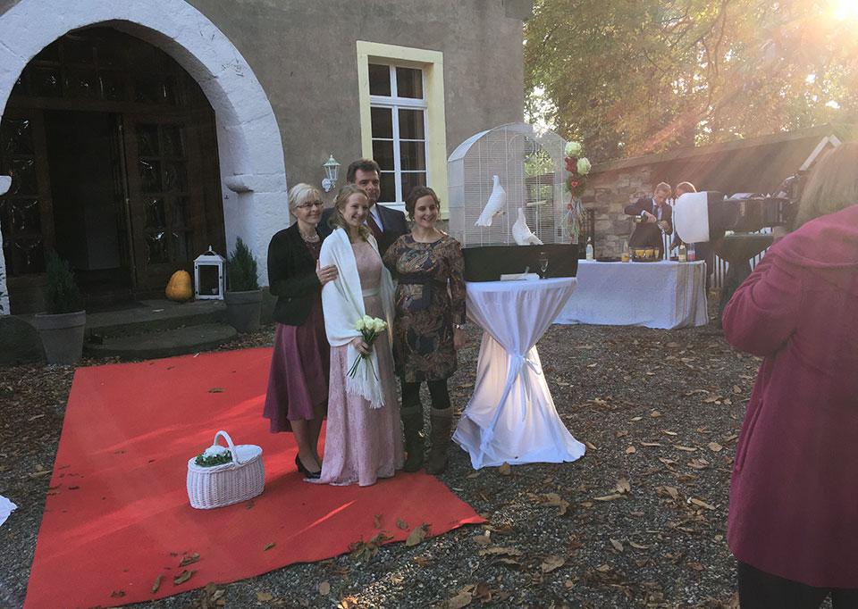 Hochzeitsgeschenk-in-Heek-Haus-Keppelborg-mit-freiem-Trauredner-zur-Standesamtlichen-Hochzeit-
