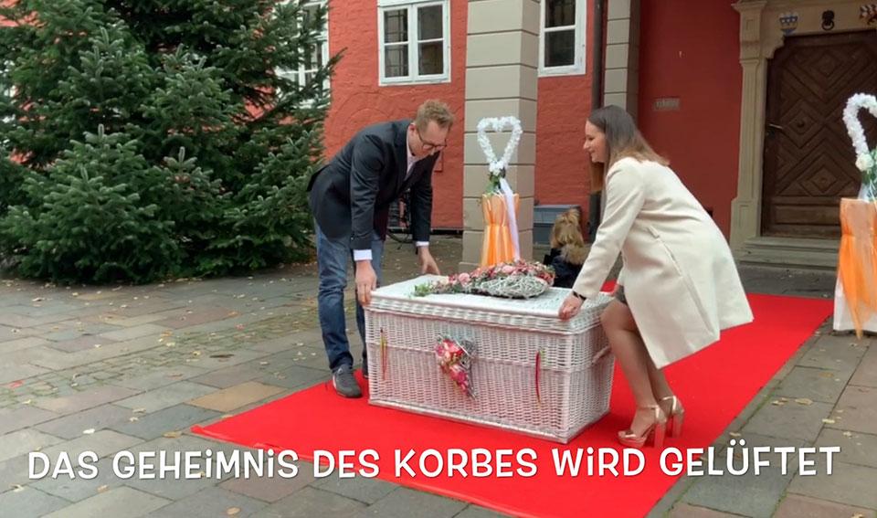 Nienburg-Weser-Hochzeitstauben-und-Ballons-aus-NaturKautschuk-mit-Event-und-Trauredner-Glücksmomente-Peter-Brocks-