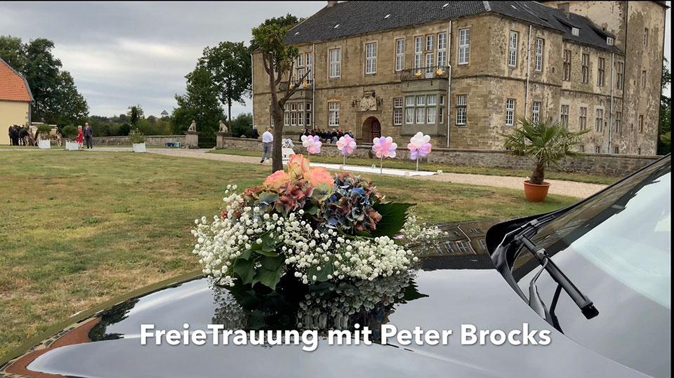 Freie-Trauung-auf-dem-Schloss-mit-Trauredner-Gluecksmomente-Peter-Brocks-
